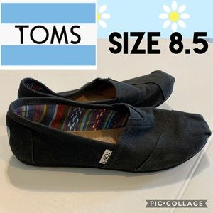 TOMS Women's Classic Black Canvas Loafers Size 8.5